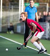 AMSTELVEEN - Mark Rijkers (Oranje-Rood)tijdens de hoofdklasse hockeywedstrijd AMSTERDAM-ORANJE ROOD (4-5). . COPYRIGHT KOEN SUYK