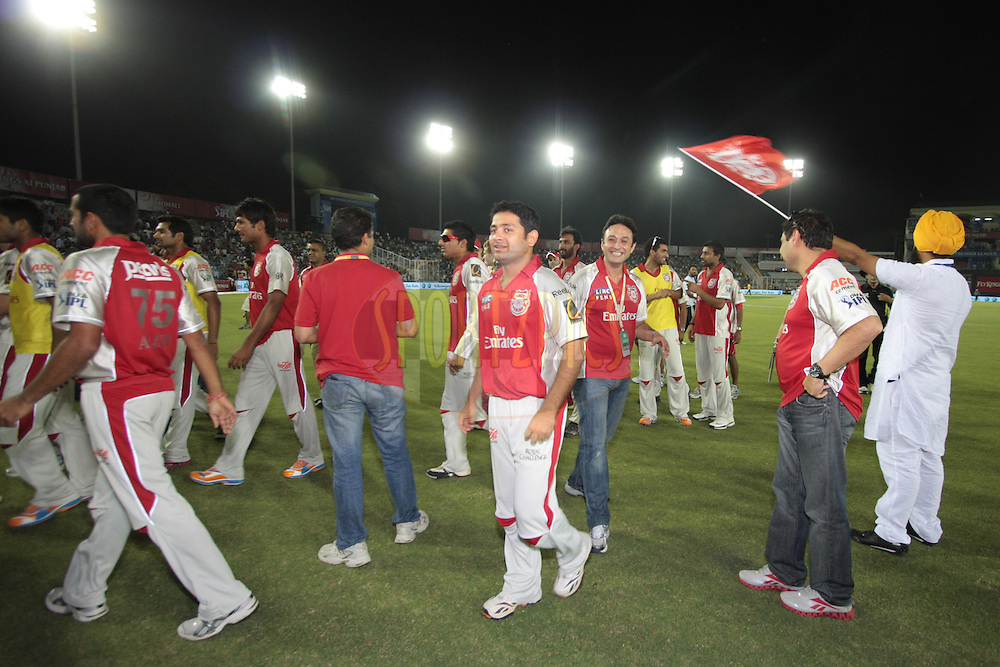 Kings XI Punjab players during match 9 of the Indian Premier League ( IPL ) Season 4 between the Kings XI Punjab and the Chennai Super Kings held at the PCA stadium in Mohali, Chandigarh, India on the 13th April 2011..Photo by Anil Dayal/BCCI/SPORTZPICS