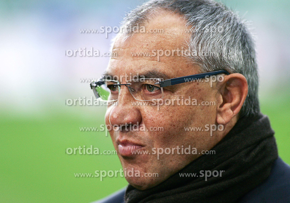 13.11.2010, Volkswagen Arena, Wolfsburg, GER,1.FBL, VfL Wolfsburg vs FC Schalke 04, im Bild Felix Magath (Trainer Schalke 04) EXPA Pictures © 2010, PhotoCredit: EXPA/ nph/  Schrader+++++ ATTENTION - OUT OF GER +++++