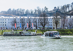 THEMENBILD - das Schiff Amadeus der Salzburg Stadt Schifffahrt auf der Salzach, aufgenommen am 31. März 2019 in Salzburg, Oesterreich // the ship Amadeus of the Salzburg city shipping on the Salzach, Austria on 2019/03/31. EXPA Pictures © 2019, PhotoCredit: EXPA/Stefanie Oberhauser