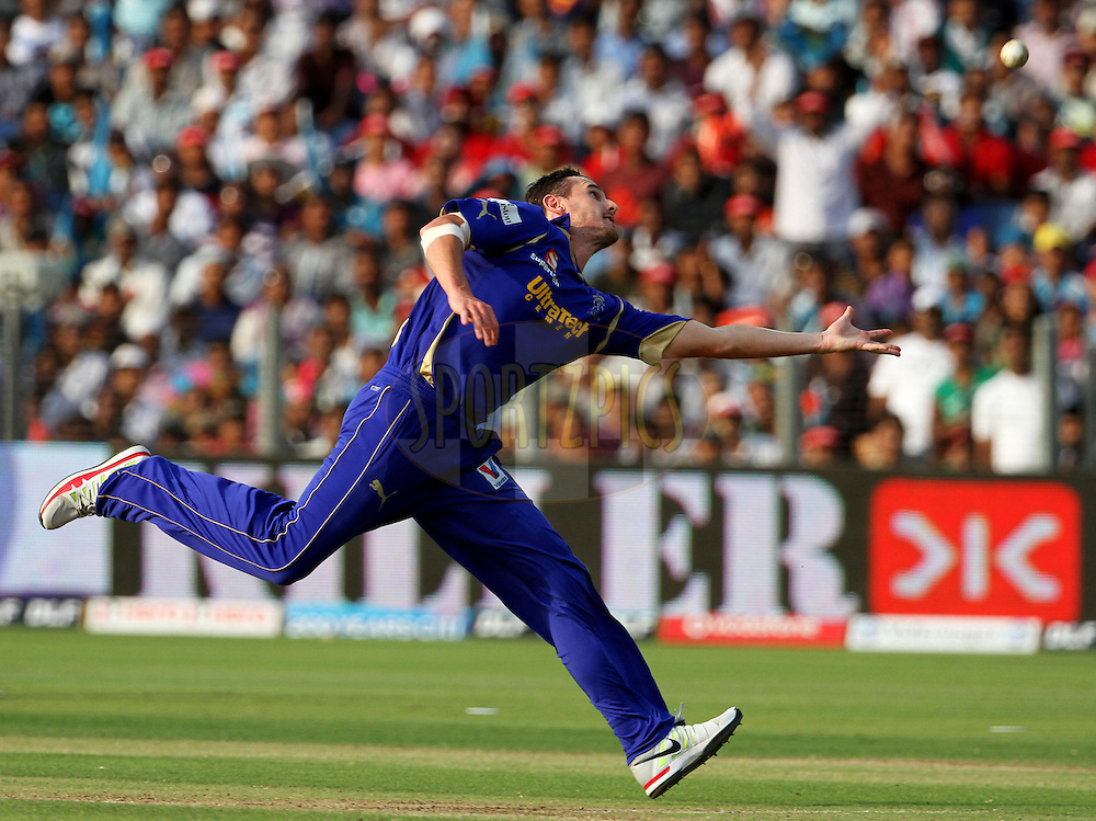 Rajasthan Royals player Shaun Tait tries to take a catch during match 52 of the Indian Premier League ( IPL) 2012  between The Pune Warriors India and the Rajasthan Royals held at the Subrata Roy Sahara Stadium, Pune on the 8th May 2012..Photo by Vipin Pawar/IPL/SPORTZPICS