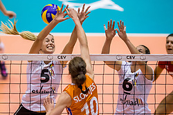 23-08-2017 NED: World Qualifications Belgium - Netherlands, Rotterdam<br /> De Nederlandse volleybalsters hebben op het WK-kwalificatietoernooi ook hun tweede duel in winst omgezet. Oranje overklaste Belgi&euml; en won met 3-0 (25-18, 25-18, 25-22). Eerder werd Griekenland ook al met 3-0 verslagen / Laura Heyrman #5 of Belgium, Charlotte Leys #6 of Belgium, Lonneke Sloetjes #10 of Netherlands
