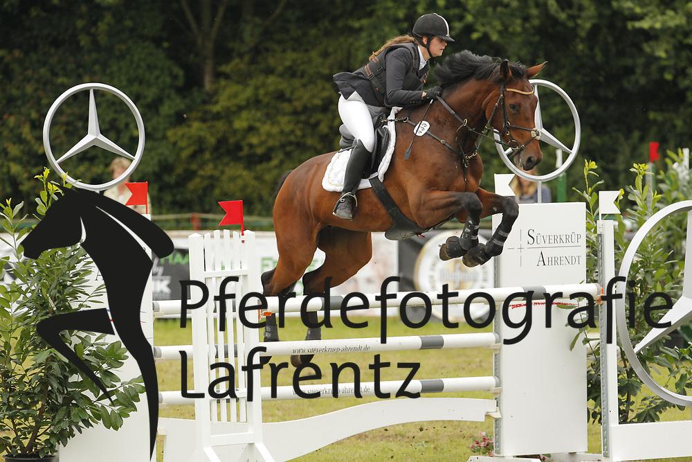 Jacobsen, Virginia, Aller Best 2<br /> Eutin - Dressur- und Springturnier<br /> © www.sportfotos-lafrentz.de/Stefan Lafrentz