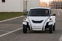 C-Zen: cette nouvelle voiture &eacute;cologique et non-polluante fonctionnant &agrave; l'&eacute;lectricit&eacute; verra le jour officiellement le 31 mars.<br /> Herv&eacute; Arnaud, CEO.