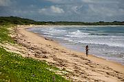 Porto Seguro_BA, Brasil...Ciclista na praia em Trancoso...The cyclist in the beach in Trancoso...Foto: LEO DRUMOND / NITRO