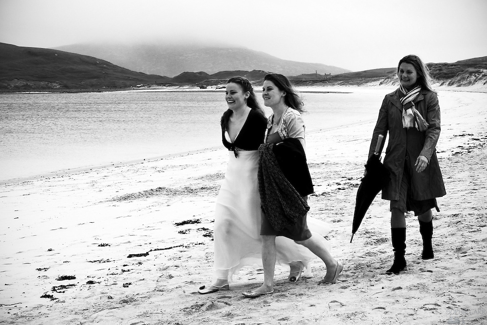 Carrie arrives on Vatersay beach with Isla and Vahri