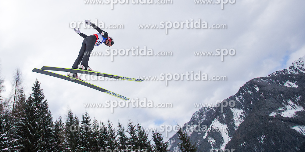 27.02.2013, Skisprungstadion, Predazzo, ITA, FIS Weltmeisterschaften Ski Nordisch, Nordische Kombination, Skisprung Großschanze, im Bild Mario Stecher (AUT) // Mario Stecher of Austria during Mens Nordic Combined Large Hill Skijump competition of the FIS Nordic Ski World Championships 2013 at the Skijumping Stadium, Predazzo, Italy on 2013/02/27. EXPA Pictures © 2013, PhotoCredit: EXPA/ Juergen Feichter