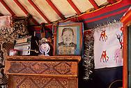 Mongolia. inside the yurt and ancestor portrait. Cattle breeders family in Hurjit Bat horchin Somun  Karakorum       /  interieur de yourte et photo de famille. Fammille díeleveurs a Hurjit Bat horchin  Karakorum   Mongolie  /      L0006065  /  P0010655