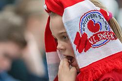 10-12-2016 NED: VC Sneek - Sliedrecht Sport, Sneek<br /> Sneek wint met 3-0 van Sliedrecht Sport / Sneek support jeugd publiek