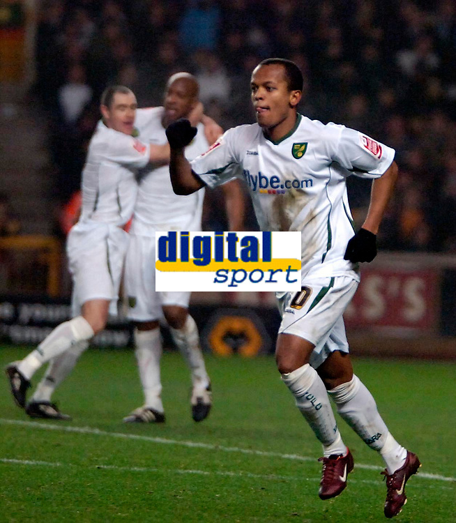 Photo: Ed Godden.<br />Wolverhampton Wanderers v Norwich City. Coca Cola Championship. 23/12/2006. Robert Earnshaw celebrates after scoring a spectacular overhead kick to put Norwich 2-1 ahead.