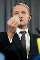 11 OCT 2010, BERLIN/GERMANY:<br /> Christian Lindner, FDP Generalsekretaer, waehrend einer Pressekonferenz, Thomas-Dehler-Haus<br /> IMAGE: 20101011-01-012