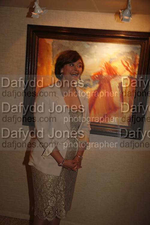 Cherie Booth, Gala champagne reception and dinner in aid of CLIC Sargent.  Grosvenor House Art and Antiques Fair.  Grosvenor House. Park Lane. London. 14 June 2006. ONE TIME USE ONLY - DO NOT ARCHIVE  © Copyright Photograph by Dafydd Jones 66 Stockwell Park Rd. London SW9 0DA Tel 020 7733 0108 www.dafjones.com