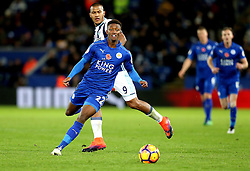Demarai Gray of Leicester City runs with the ball past Jose Salomon Rondon of West Bromwich Albion - Mandatory by-line: Robbie Stephenson/JMP - 06/11/2016 - FOOTBALL - King Power Stadium - Leicester, England - Leicester City v West Bromwich Albion - Premier League
