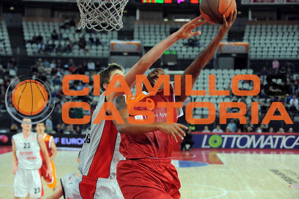 DESCRIZIONE : Roma Eurolega 2010-11 Lottomatica Virtus Roma Brose Baskets Bamberg<br /> GIOCATORE : Darius Washington<br /> SQUADRA : Lottomatica Virtus Roma<br /> EVENTO : Eurolega 2010-2011<br /> GARA :  Lottomatica Virtus Roma Brose Baskets Bamberg<br /> DATA : 20/10/2010<br /> CATEGORIA : Tiro<br /> SPORT : Pallacanestro <br /> AUTORE : Agenzia Ciamillo-Castoria/GiulioCiamillo<br /> Galleria : Eurolega 2010-2011<br /> Fotonotizia : Roma Eurolega Euroleague 2010-11 Lottomatica Virtus Roma Brose Baskets Bamberg<br /> Predefinita :