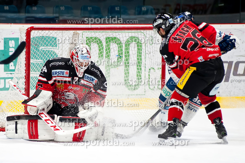 10.01.2016, Ice Rink, Znojmo, CZE, EBEL, HC Orli Znojmo vs Fehervar AV 19, 43. Runde, im Bild v.l. Patrik Nechvatal (HC Orli Znojmo) Lubomir Stach (HC Orli Znojmo) Chris Francis (SAPA Fehervar AV19) // during the Erste Bank Icehockey League 43th round match between HC Orli Znojmo and Fehervar AV 19 at the Ice Rink in Znojmo, Czech Republic on 2016/01/10. EXPA Pictures © 2016, PhotoCredit: EXPA/ Rostislav Pfeffer