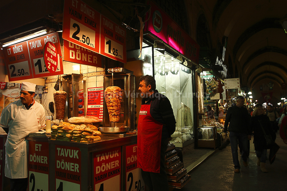DONER KEBAB STALL  IN ISTANBUL , TURKEY