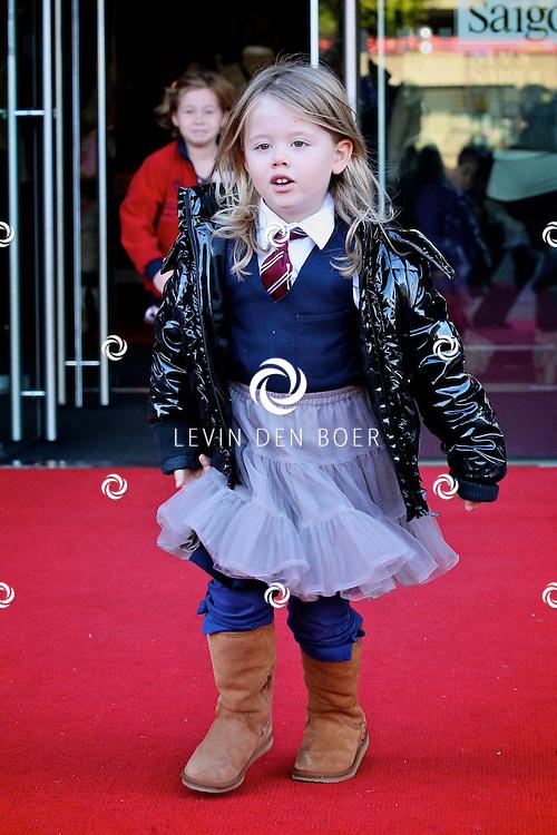 UTRECHT - In het Beatrix Theater is de premiere van de Plop Show de Fopkampioen door Kabouter Plop.  Met op de foto de dochter van Chazia genaamd Jasmijn Mourali. FOTO LEVIN DEN BOER - PERSFOTO.NU