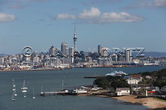 Auckland will be the main tourist destination during the Rugby WC 2011 with 15 matches taking place there, including the opening and the final, suburb Devenport in foreground