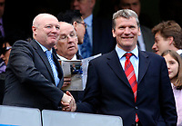 Photo: Daniel Hambury.<br />Chelsea v Manchester United. The Barclays Premiership. 29/04/2006.<br />Chelsea's chief executive Peter Kenyon shakes hands with his former boss, United's chief executive, David Gill.