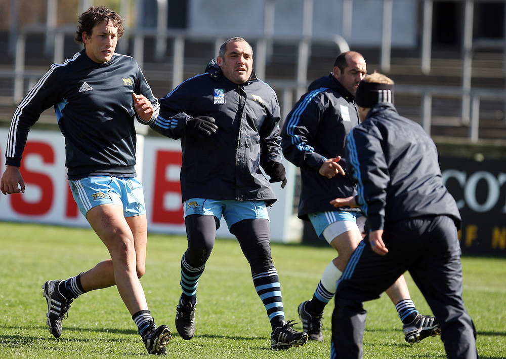Members of the Argentina team at their Rugby World Cup captains run, Rugby Park, Invercargill, New Zealand, Friday, September 16, 2011. Credit:SNPA / Dianne Manson.