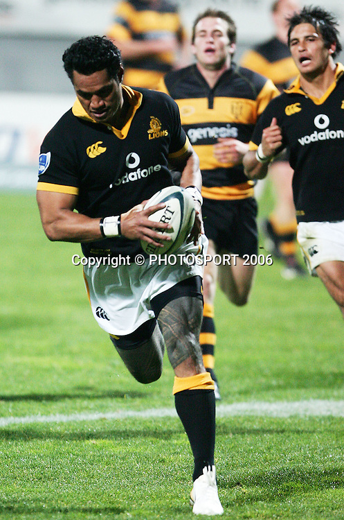 Wellington winger Lome Fa'atau goes over to score during the Air New Zealand Cup week 1 rugby match between Genesis Taranaki and Wellington held at Yarrows Stadium in New Plymouth, New Zealand on Saturday 29 July 2006. Photo: Tim Hales/PHOTOSPORT