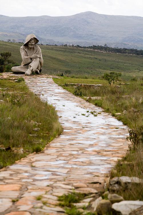 Santana do Riacho_MG, Brasil...Estatua do Juquinha no Parque Nacional Serra do Cipo em Santana do Riacho...The Juquinha statue at  Serra do Cipo National Park in Santana do Riacho...Foto: LEO DRUMOND / NITRO