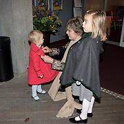 NLD/Amsterdam/20081004 - Première het Grote Terra POP concert, Laurentien met kinderen Eloise en Leonore