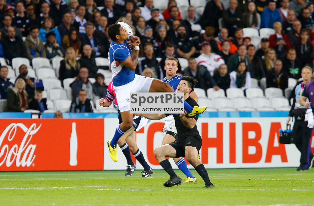 Namibia's Full Back Johan Tromp fubles a mid air take. Rugby World Cup group game from Pool C between New Zealand and Namibia at Olympic Stadium. (c) Matt Bristow | SportPix.org.uk