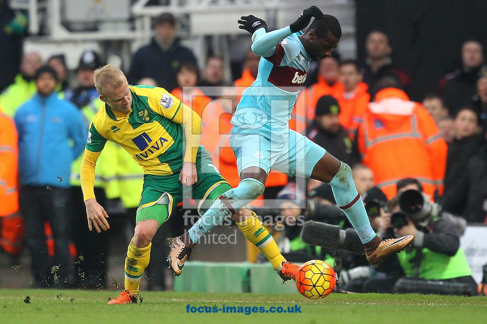 Pedro Obiang of West Ham and Steven Naismith of Norwich in action during the Barclays Premier League match at Carrow Road, Norwich<br /> Picture by Paul Chesterton/Focus Images Ltd +44 7904 640267<br /> 13/02/2016