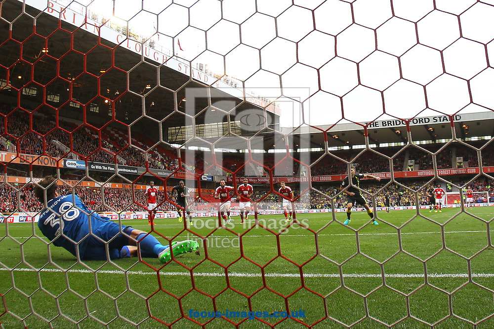 Wes Hoolahan of Norwich sees his penalty saved by Vladimir Stojkovic of Nottingham Forest during the Sky Bet Championship match at the City Ground, Nottingham<br /> Picture by Paul Chesterton/Focus Images Ltd +44 7904 640267<br /> 17/09/2016