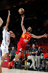 10.09.2014, Palacio de los deportes, Madrid, ESP, FIBA WM, Frankreich vs Spanien, Viertelfinale, im Bild Spain´s Navarro (R) and France´s Pietrus // during FIBA Basketball World Cup Spain 2014 Quarter-Final match between France and Spain at the Palacio de los deportes in Madrid, Spain on 2014/09/10. EXPA Pictures © 2014, PhotoCredit: EXPA/ Alterphotos/ Victor Blanco<br /> <br /> *****ATTENTION - OUT of ESP, SUI*****