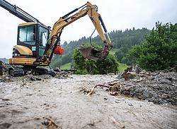 02.06.2013, B311, Hoegmoos, AUT, Pinzgau starke Regenfaelle, im Bild ein Bagger bei Aufraeumarbeiten beim Murenabgang an der B311 bei Hoegmoos. Die Strasse wurde fuer den Verkehr gesperrt. Starkregen sorgt derzeit vor allem in Tirol, Oberoesterreich und Salzburg für massive Überflutungen, Vermurungen und Hangrutsche // Parts of Pinzgau were declared a disaster area. Heavy rain is currently making, especially in Tyrol, Upper Austria and Salzburg for massive flooding, mudslides and landslides, Hoegmoos, Austria on 2013/06/02. EXPA Pictures © 2012, PhotoCredit: EXPA/ Juergen Feichter