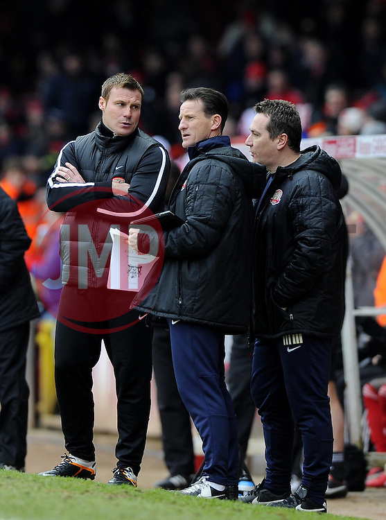 Barnsley Manger, David Flitcroft in discussion with his back room staff - Photo mandatory by-line: Joe Meredith/JMP - Tel: Mobile: 07966 386802 23/02/2013 - SPORT - FOOTBALL - Ashton Gate - Bristol -  Bristol City V Barnsley - Npower Championship