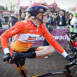 09-04-2016: Wielrennen: Energiewachttour vrouwen: Zuidhorn<br />Warming up Ellen van Dijk