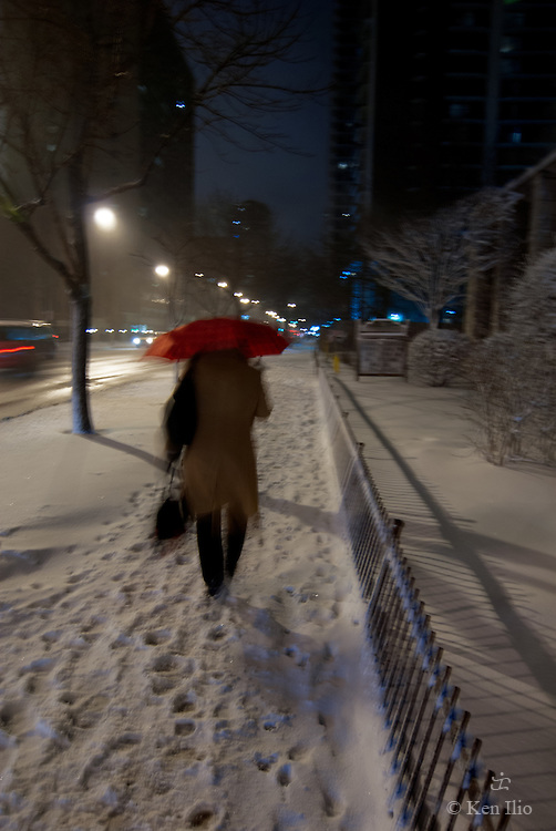 Chicago, snow, red umbrella, Sheridan Rd., Edgewater