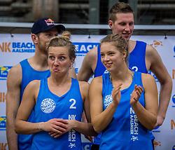 08-01-2017 NED: NK Beachvolleybal Indoor, Aalsmeer<br /> Goud voor Marloes Wesselink #2 en Laura Bloem #1