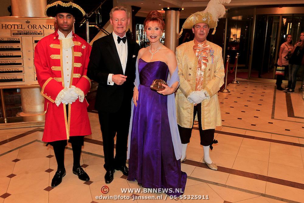 NLD/Noordwijk/20110924 - Kika Grand Gala 2011, Marijke Helwegen en partner Harry