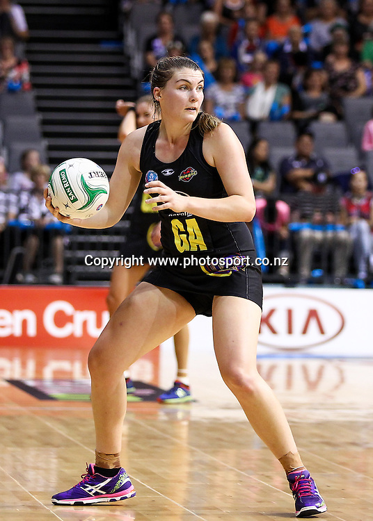 Waikato BOP Magic's Ellen Halfpenny during the ANZ Netball Championship – Waikato BOP Magic v Southern Steel at Claudelands Arena, Hamilton on Monday 17 March 2014.  Photo:  Bruce Lim / www.photosport.co.nz
