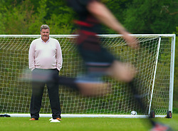 CARDIFF, WALES - Wednesday, May 19, 2010: Wales' manager John Toshack MBE during a training session at the Vale of Glamorgan Hotel ahead of the International Friendly match against Croatia. (Pic by David Rawcliffe/Propaganda)