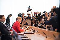 DEU, Deutschland, Germany, Berlin, 20.07.2018: Sommerpressekonferenz von Bundeskanzlerin Dr. Angela Merkel (CDU) in der Bundespressekonferenz zu aktuellen Themen der Innen- und Aussenpolitik. Links Regierungssprecher Steffen Seibert.