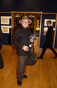 Barry Lategan, Hip Art, in aid of Stowe House Preservation Trust and friends of War Memorials. Christie's. 16 March 2004. ONE TIME USE ONLY - DO NOT ARCHIVE  © Copyright Photograph by Dafydd Jones 66 Stockwell Park Rd. London SW9 0DA Tel 020 7733 0108 www.dafjones.com