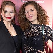 NLD/Amsterdam/20191031 - Ghost Stories premiere, Vajen van den Bosch en vriendin Annefleur van den Berg