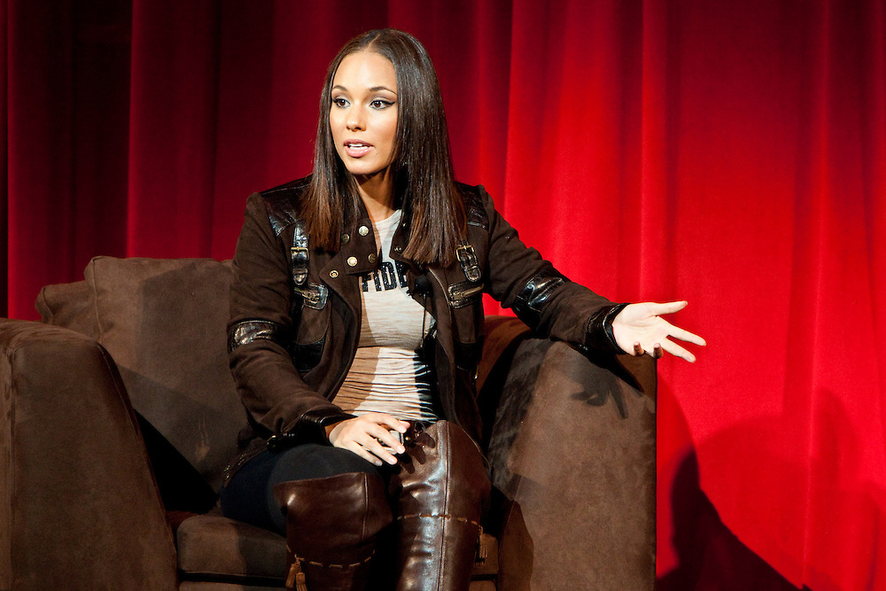 "NEW YORK, NY - OCTOBER 21: Grammy Award winning musician Alicia Keys is interviewed by Sway during a taping of ""The Element of Freedom: The Lecture & Performance Series"" at New York University's Skirball Center for the Performing Arts on October 21, 2009 in New York, New York. (PHOTO CREDIT: Eric M. Townsend) for Yahoo! Music / Pepsi Smash"