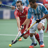 DEN HAAG - Rabobank Hockey World Cup<br /> 37 Argentina - England<br /> Foto: Nick Catlin (red).<br /> COPYRIGHT FRANK UIJLENBROEK FFU PRESS AGENCY