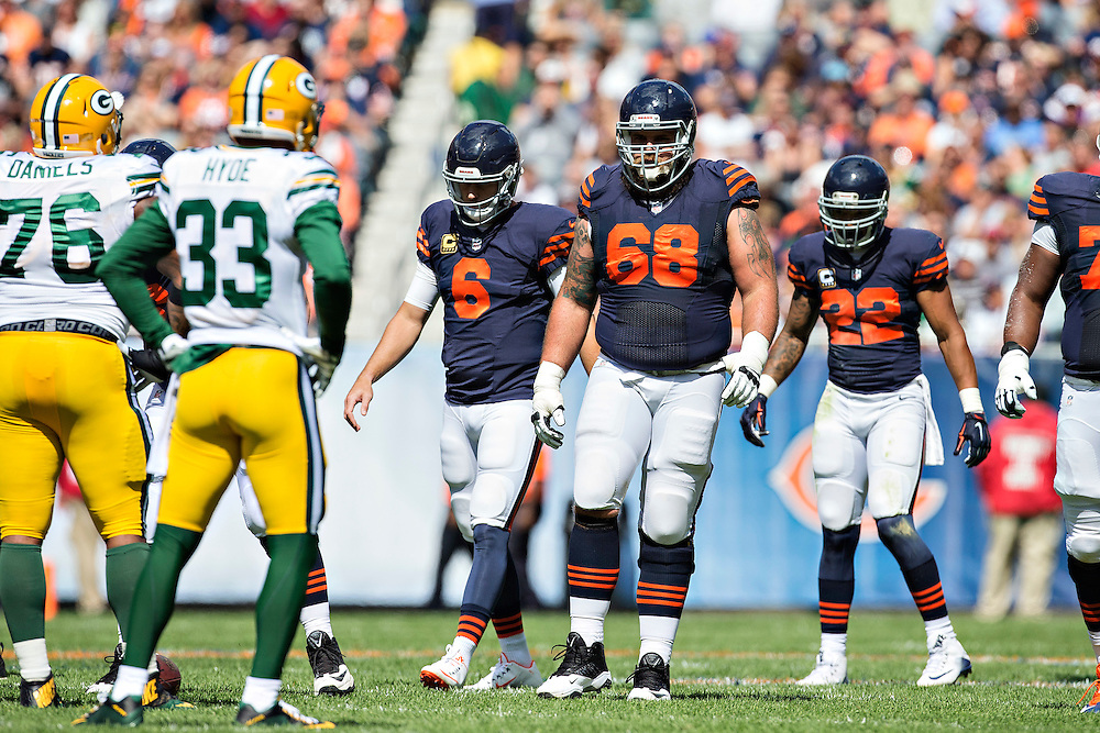 CHICAGO, IL - SEPTEMBER 13:  Matt Slauson #68 of the Chicago Bears walks to the line of scrimmage during a game against the Green Bay Packers at Soldier Field on September 13, 2015 in Chicago, Illinois.  The Packers defeated the Bears 31-23.  (Photo by Wesley Hitt/Getty Images) *** Local Caption *** Matt Slauson