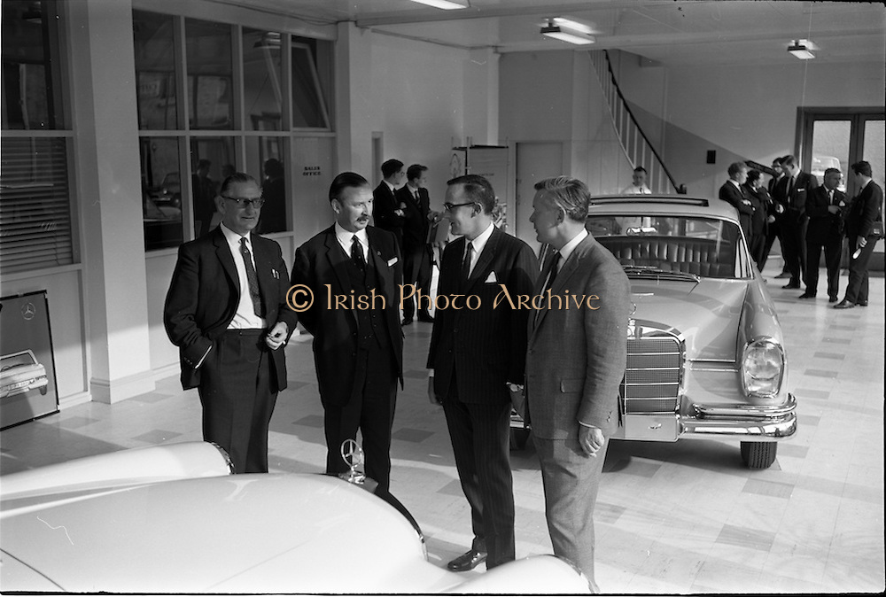C380 1964 mercedes introduce new cars to the irish for Mercedes benz c380