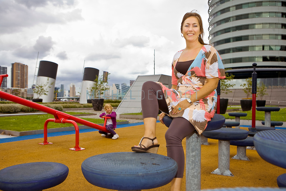 Natalie Backx, Havenbedrijf in Rotterdam