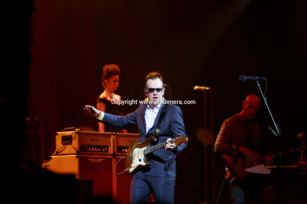 Edinburgh, Scotland, UK. 18th April 2017. Joe Bonamassa performs on stage at Usher Hall theatre. Edinburgh. Pako Mera