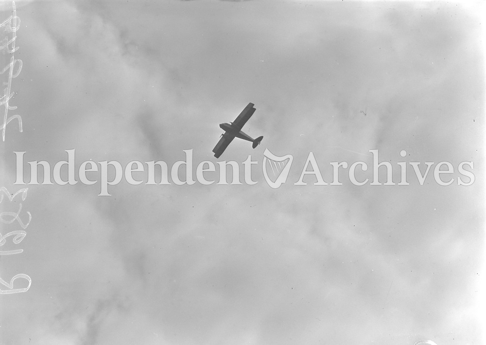 Aer Lingus fly past 21st anniversary. 27 May 1957<br /> (Part of the Independent Newspapers Ireland/NLI Collection)