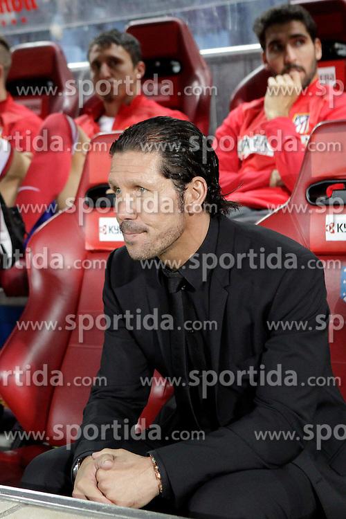 27.10.2013, Estadio Vicente Calderon, Madrid, ESP, Primera Division, Atletico Madrid vs Real Betis, 10. Runde, im Bild Atletico de Madrid's coach Diego Simeone // Atletico de Madrid's coach Diego Simeone during the Spanish Primera Division 10th round match between Club Atletico de Madrid and Real Betis at the Estadio Vicente Calderon in Madrid, Spain on 2013/10/28. EXPA Pictures © 2013, PhotoCredit: EXPA/ Alterphotos/ Victor Blanco<br /> <br /> *****ATTENTION - OUT of ESP, SUI*****